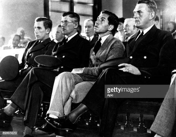 Salvatore Lucania called Lucky Luciano gangster of sicilian mafia on august 25 in New York during his trial in courtroom between two guards