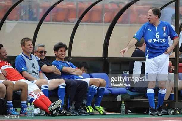 Salvatore Schillaci Angelo Colombo Roberto Baggio Kazuyoshi Miura Franco Baresi look on during the JLeague Legend and Glorie Azzurre match at the...