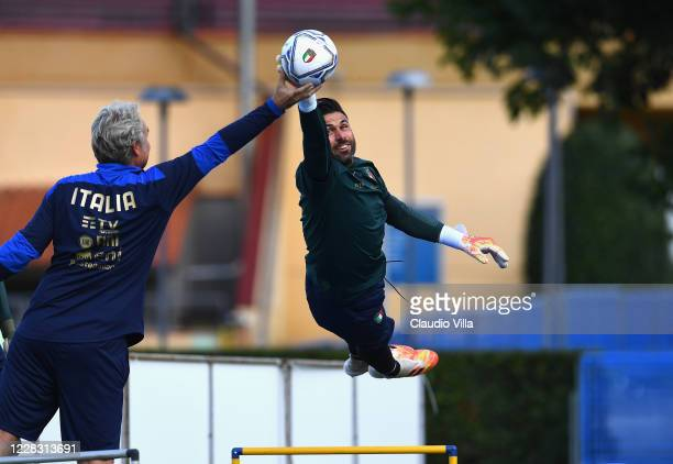 Salvatore Sirigu of Italy in action during a training session at Centro Tecnico Federale di Coverciano on September 2, 2020 in Florence, Italy.