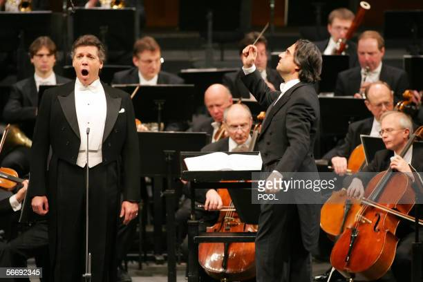 US baritone Thomas Hampson Italian conductor Riccardo Muti perform with the Vienna Philharmonic Orchestra during a rehearsal for the concert at...