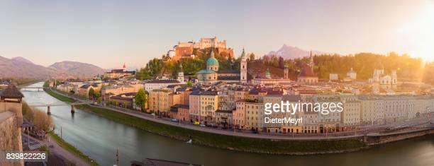 salzburg-sonnenuntergang, salzburger land, österreich - salzburg stock-fotos und bilder