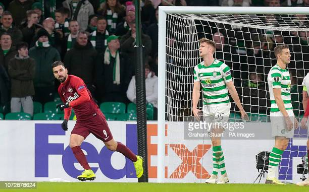 Salzburg's Munas Dabbur scores his side's first goal of the game during the UEFA Europa League Group B match at Celtic Park Glasgow