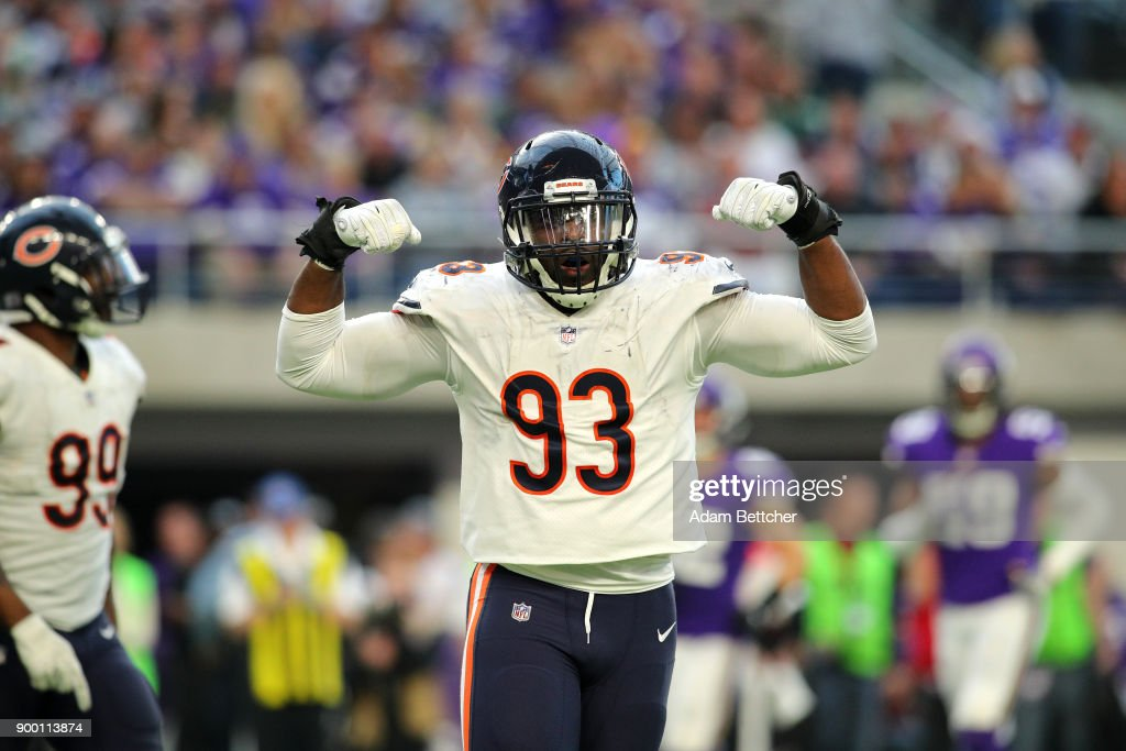 Sam Acho #93 of the Chicago Bears celebrates after sacking quarterback Case Keenum #7 of the Minnesota Vikings in the fourth quarter of the game on December 31, 2017 at U.S. Bank Stadium in Minneapolis, Minnesota.