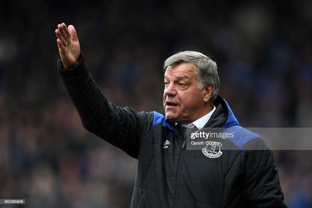 Huddersfield Town v Everton - Premier League : News Photo
