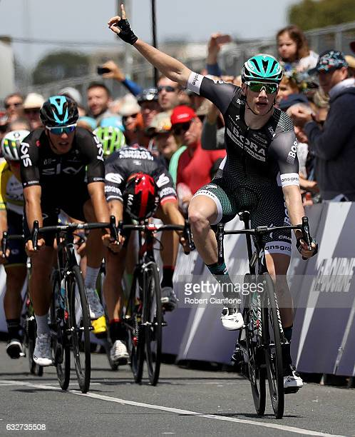 Sam Bennett of Ireland and BoraHansgrohe celebrates as he crosses the line to win the Men's Towards Zero Race Melbourne during the 2017 Cadel Evans...