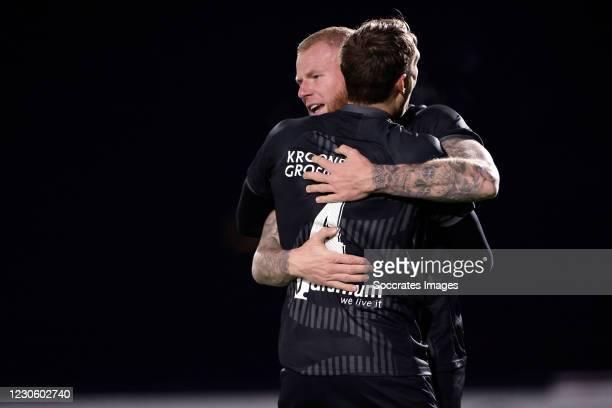 Sam Beukema of Go Ahead Eagles celebrates 1-0 with Jeroen Veldmate of Go Ahead Eagles during the Dutch Keuken Kampioen Divisie match between AZ...