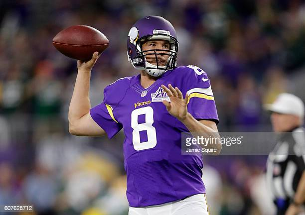 Sam Bradford of the Minnesota Vikings warms up on field before game a game vs the Green Bay Packers on September 18 2016 at US Bank Stadium in...