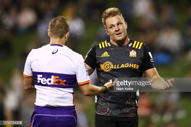 Sam Cane of the Chiefs speaks to the referee during the round six Super Rugby match between the Waratahs and the Chiefs at WIN Stadium on March 06,...