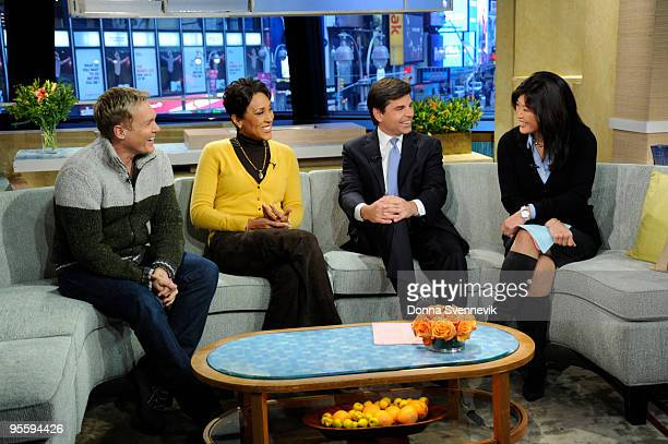 AMERICA Sam Champion Robin Roberts George Stephanopoulos and Juju Chang on the set of GOOD MORNING AMERICA GOOD MORNING AMERICA airs Monday Friday on...
