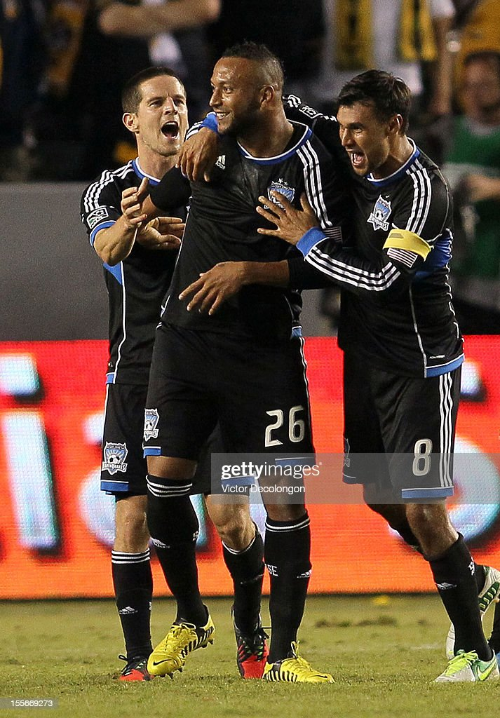 San Jose Earthquakes v Los Angeles Galaxy - Western Conference Semifinals