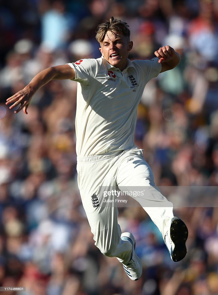 England v Australia - 5th Specsavers Ashes Test: Day Two : News Photo