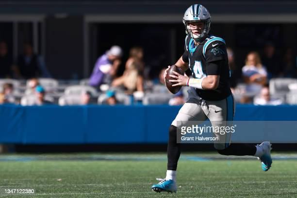 Sam Darnold of the Carolina Panthers runs with the ball during the third quarter against the Minnesota Vikings at Bank of America Stadium on October...