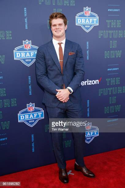 Sam Darnold of USC poses on the red carpet prior to the start of the 2018 NFL Draft at AT&T Stadium on April 26, 2018 in Arlington, Texas.