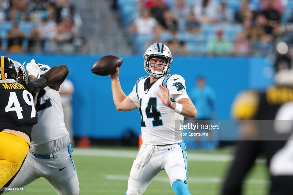 NFL: AUG 27 Preseason - Steelers at Panthers : News Photo