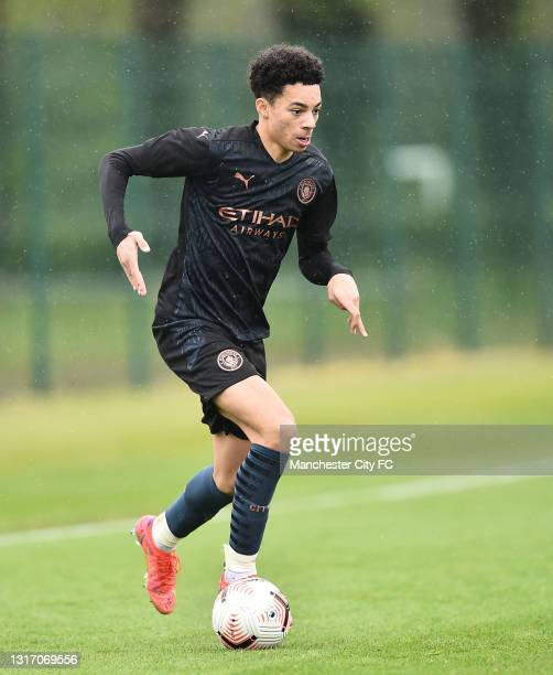 Sam Edozie of Manchester City runs with the ball during the U18 Premier League match between Stoke City and Manchester City at Clayton Wood Training...