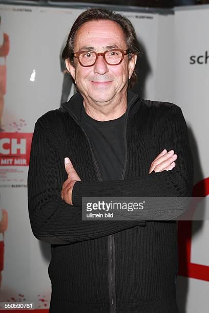 Sam Garbarski der belgische Filmregisseur bei der Premiere des Films VIJAY UND ICH MEINE FRAU GEHT FREMD im Zeise Kino in Hamburg