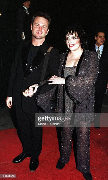 Sam Harris and Liza Minnelli arrive at Tavern on the Green September 7 2001 for the Michael Jackson concert after party in New York City