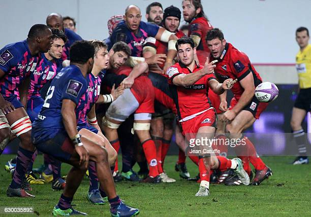 Sam Hidalgo-Clyne of Edinburgh in action during the European Rugby Challenge Cup match between Stade Francais Paris and Edinburgh Rugby at Stade Jean...