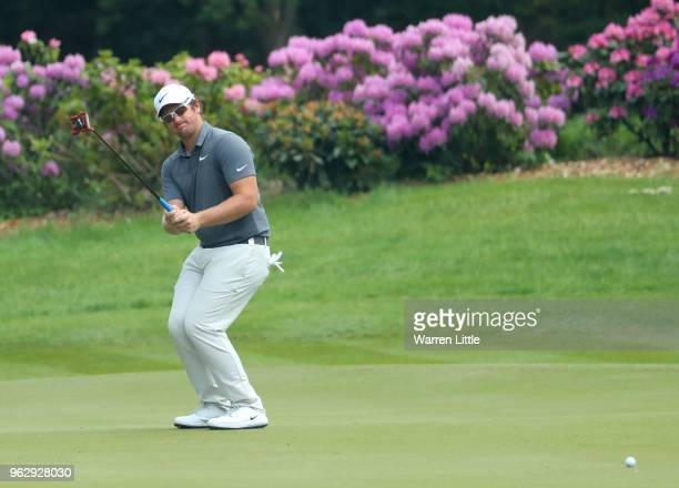 Sam Horsfield of England putts on the 8th green during day four and the final round of the BMW PGA Championship at Wentworth on May 27 2018 in...