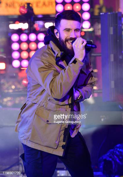 Sam Hunt performs during Dick Clark's New Year's Rockin' Eve With Ryan Seacrest 2020 on December 31 2019 in New York City