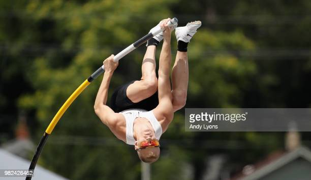 Sam Kendricks attempts a clearance on the way to win the Mens Pole Vault Final uring day 3 of the 2018 USATF Outdoor Championships at Drake Stadium...