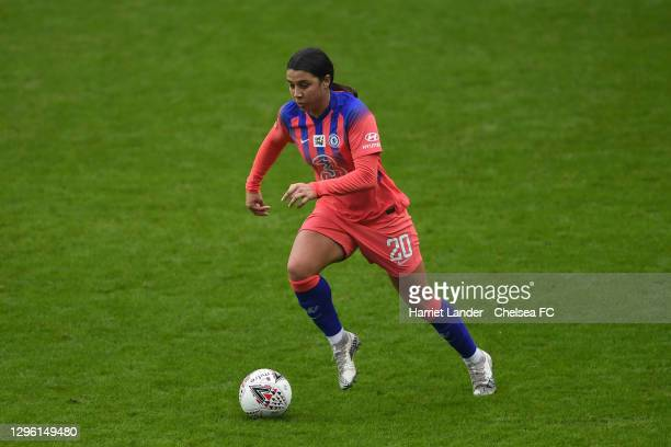 Sam Kerr of Chelsea runs with the ball during the Barclays FA Women's Super League match between Reading Women and Chelsea Women at Madejski Stadium...