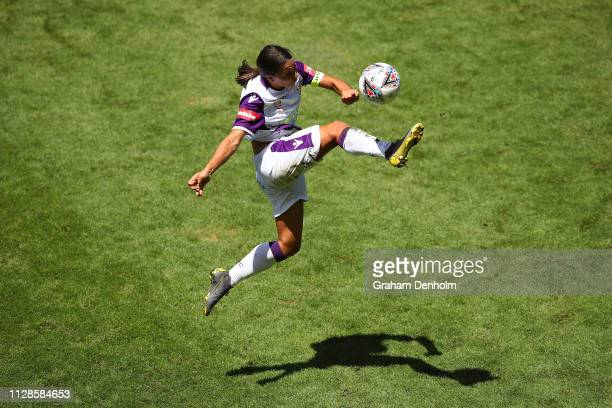 Sam Kerr of the Glory in action during the WLeague Semi Final match between the Melbourne Victory and Perth Glory at AAMi Park on February 10 2019 in...
