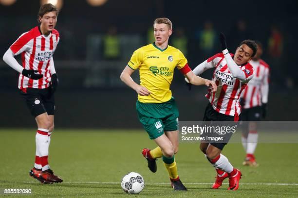 Sam Lammers of PSV U23 Perr Schuurs of Fortuna Sittard Donyell Malen of PSV U23 during the Dutch Jupiler League match between PSV U23 v Fortuna...