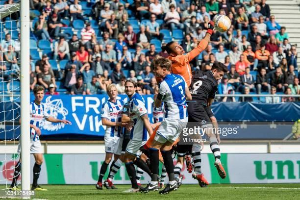 Sam Lammers of sc Heerenveen Morten Thorsby of sc Heerenveen Dave Bulthuis of sc Heerenveen Daniel Hoegh of sc Heerenveen goalkeeper Warner Hahn sc...