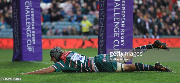 Sam Lewis of Leicester Tigers scores a try during the European Rugby Challenge Cup Round 3 match between Leicester Tigers and Calvisano Rugby at...