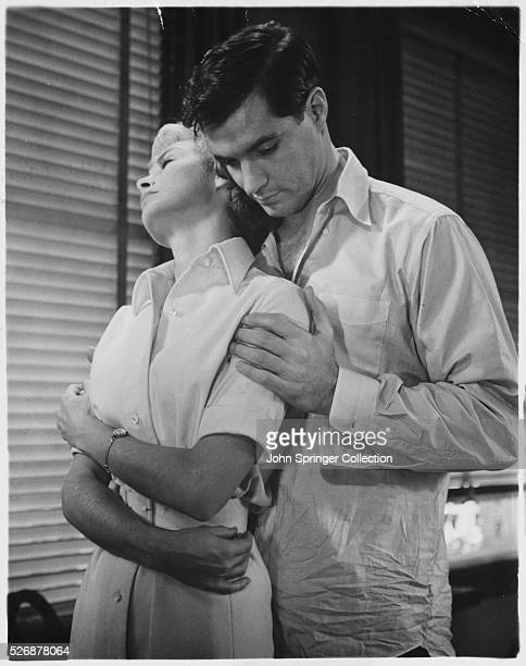 Sam Loomis holds Lila Crane in a scene from the 1960 Alfred Hitchcock thriller Psycho