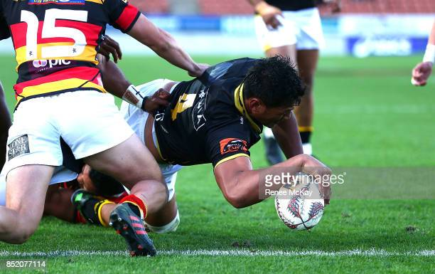 Sam Lousi of Wellington scores a try during the round six Mitre 10 Cup match between Waikato and Wellington at FMG Stadium on September 23 2017 in...