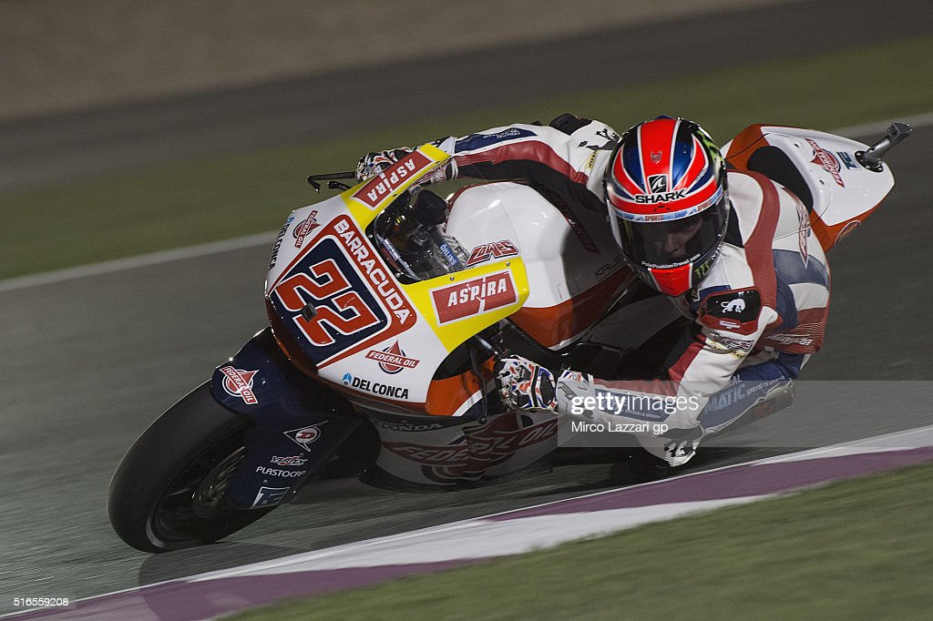 Sam Lowes of Britain and Feder Oil Gresini Moto2 rounds the bend during the qualifying practice during the MotoGp of Qatar - Qualifying at Losail Circuit on March 19, 2016 in Doha, Qatar.