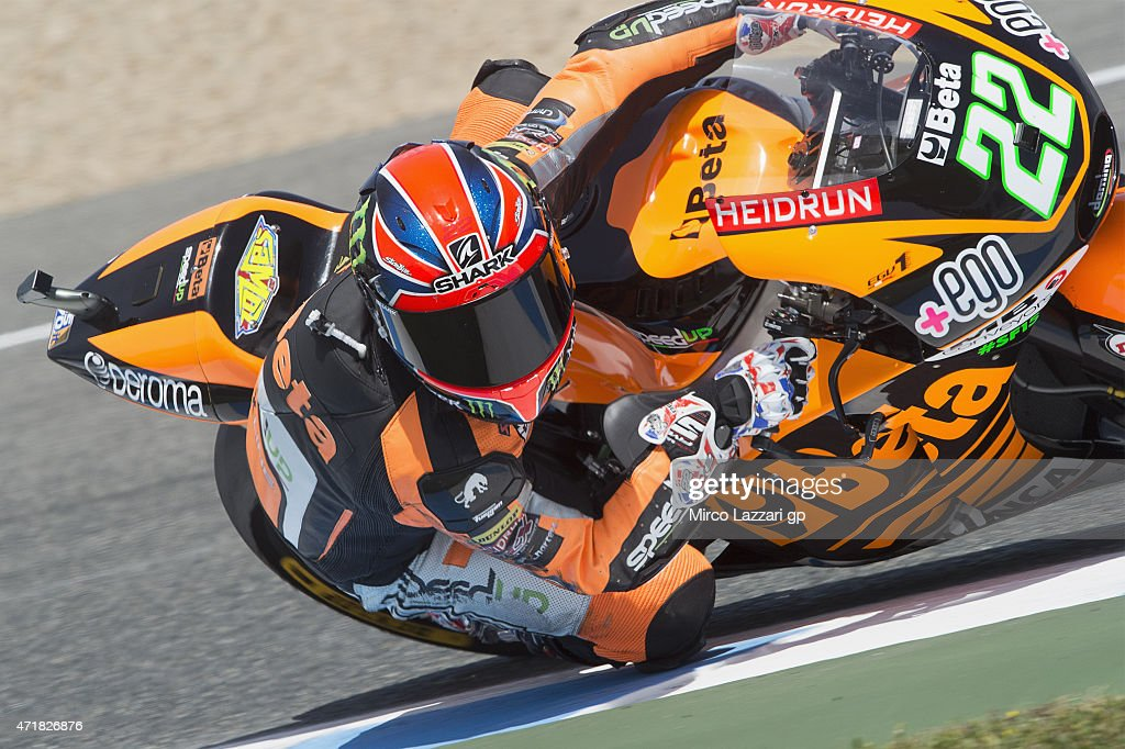Sam Lowes of Great Britain and Speed Up rounds the bend during the MotoGp of Spain - Free Practice at Circuito de Jerez on May 1, 2015 in Jerez de la Frontera, Spain.