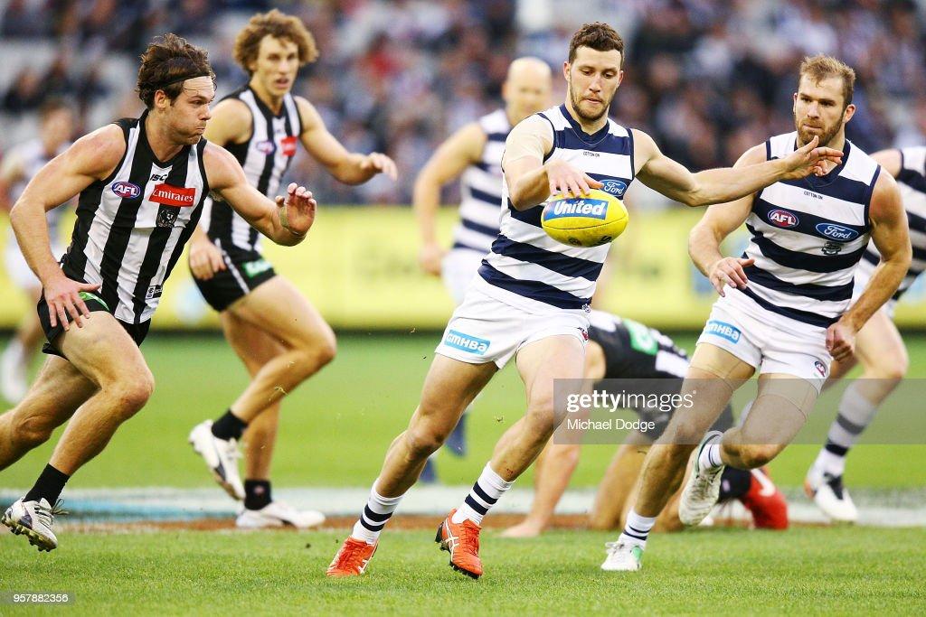 AFL Rd 8 - Collingwood v Geelong : News Photo