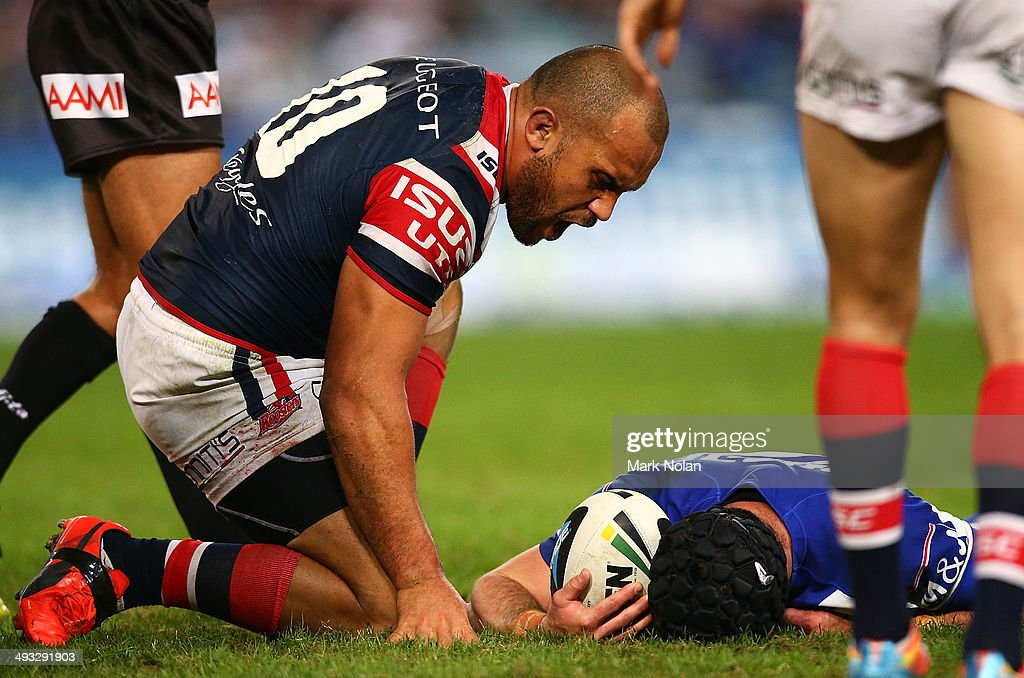 NRL Rd 11 - Bulldogs v Roosters : News Photo