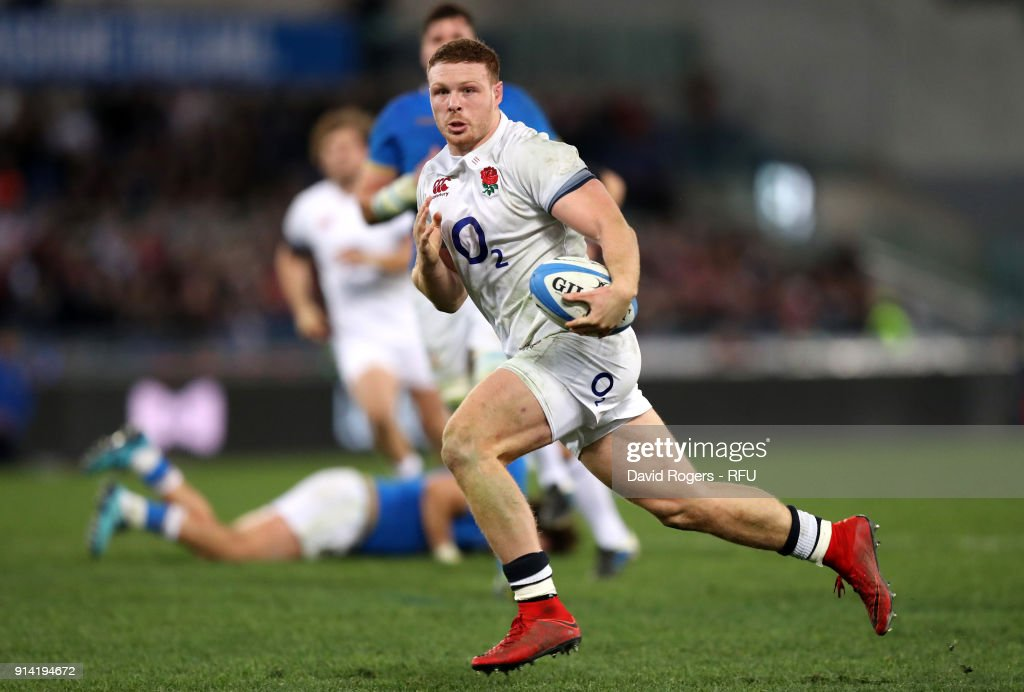 Sam Simmonds of England breaks for his second try during the NatWest Six Nations round One match between Italy and Engalnd at Stadio Olimpico on February 4, 2018 in Rome, Italy.