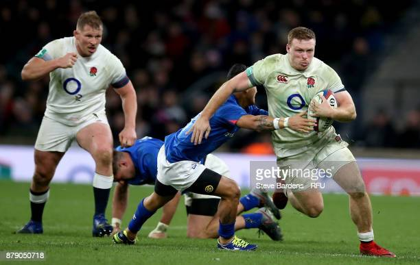 Sam Simmonds of England on the charge during the Old Mutual Wealth Series match between England and Samoa at Twickenham Stadium on November 25 2017...