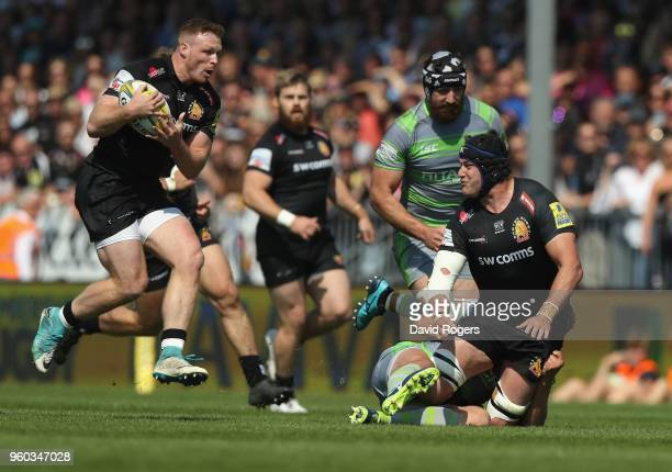 Sam Simmonds of Exeter breaks with the ball during the Aviva Premiership Semi Final between Exeter Chiefs and Newcastle Falcons at Sandy Park on May...
