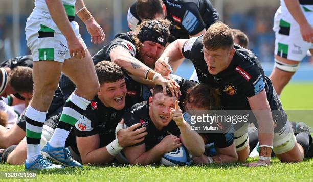 Sam Simmonds of Exeter Chiefs celebrates after scoring his side's second try during the Gallagher Premiership Rugby match between Exeter Chiefs and...