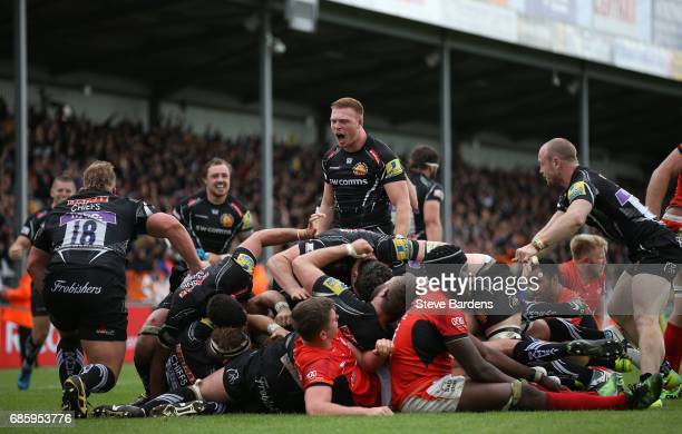 Sam Simmonds of Exeter Chiefs celebrates after scoring the late match winning try during the Aviva Premiership semi final match between Exeter Chiefs...