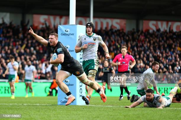 Sam Simmonds of Exeter Chiefs celebrates scoring a try during the Gallagher Premiership Rugby match between Exeter Chiefs and Northampton Saints at...