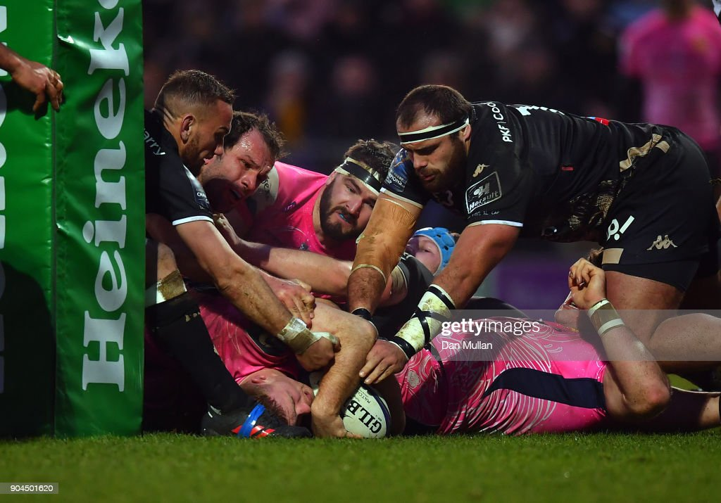 Sam Simmonds of Exeter Chiefs stretches out to score his side's second try during the European Rugby Champions Cup match between Exeter Chiefs and Montpellier at Sandy Park on January 13, 2018 in Exeter, England.
