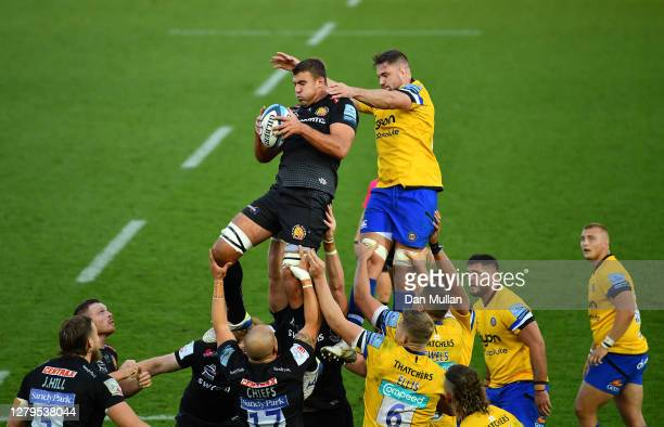 Sam Skinner of Exeter Chiefs claims the lineout ahead of Elliott Stooke of Bath during the Gallagher Premiership Rugby semi-final match between...