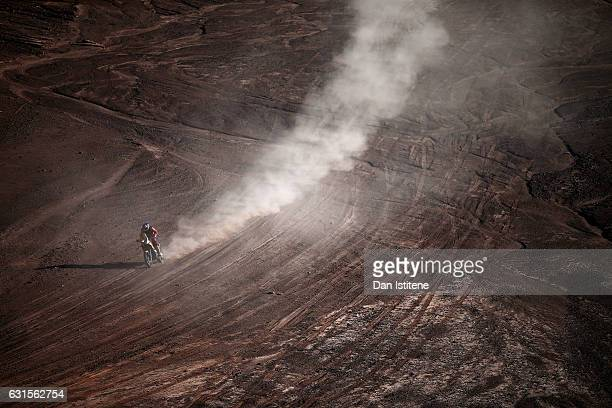 Sam Sunderland of Great Britain and KTM rides a 450 Rally Replica KTM bike in the Elite ASO during stage nine of the 2017 Dakar Rally between Salta...