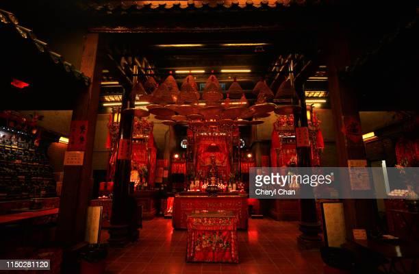 sam tai tsz temple - worshipper stock pictures, royalty-free photos & images