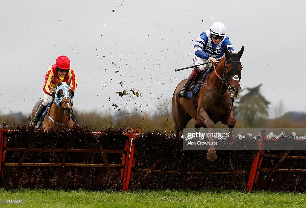 Wincanton Races : News Photo