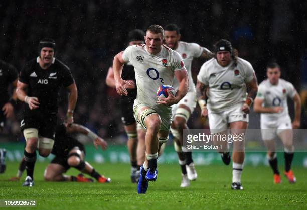 Sam Underhill of England breaks clear to score but the try is disallowed during the Quilter International match between England and New Zealand at...