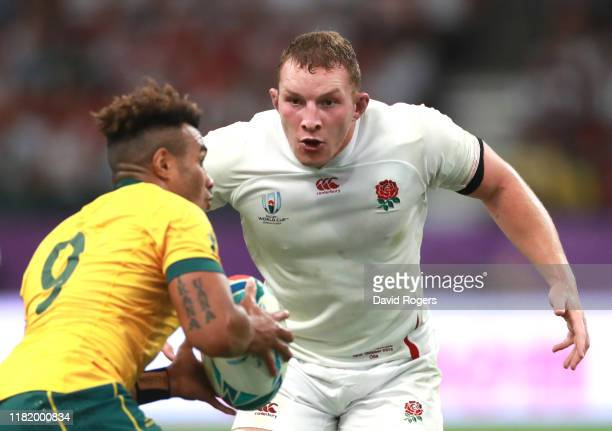 Sam Underhill of England looks to tackled Will Genia of Australia during the Rugby World Cup 2019 Quarter Final match between England and Australia...