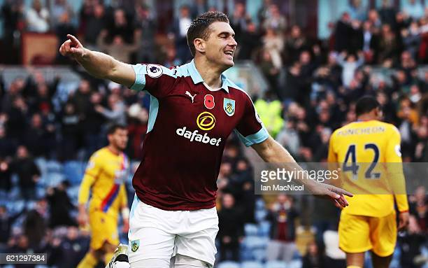 Sam Vokes of Burnley celebrates after he scores during the Premier League match between Burnley and Crystal Palace at Turf Moor on November 5 2016 in...
